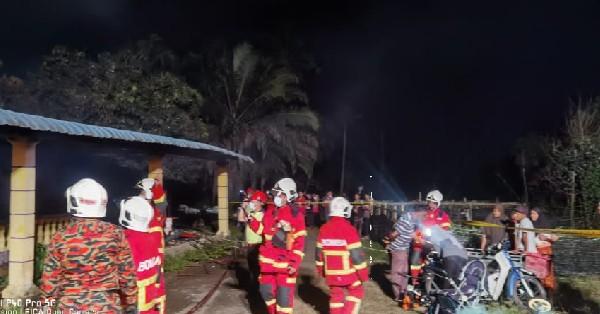 消拯员正展开灭火行动。